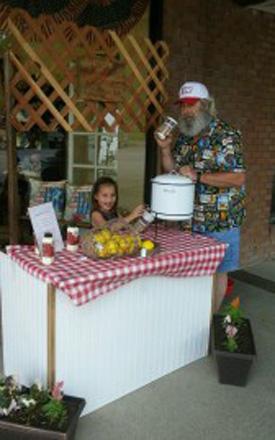 Lemonade-Stand-Fundraiser3